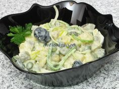 Salată de cartofi cu mazăre şi maioneză Food Wishes, Potato Salad, Cabbage, Potatoes, Lunch, Vegetables, Ethnic Recipes, Easy, Potato