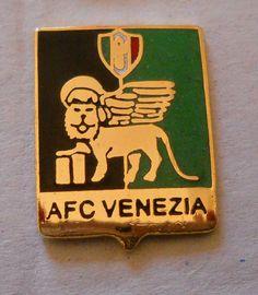 calcio distintivo AFC Venezia fascismo badge football pin