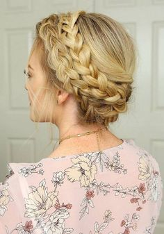 Long Wedding & Prom Hairstyles via Missysueblog / http://www.deerpearlflowers.com/wedding-prom-hairstyles-for-long-hair/4/