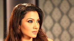 Latest Celebrity Gossip Related to Gauhar Khan Slapped By Audience On Get A News