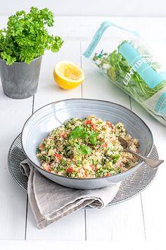 Arabimaissa suosittu tabouleh tai tabbule on herkullinen lisäke ruoalle tai salaattipöytään. Bulgurvehnä, runsas määrä persiljaa ja pieneksi pilkottua kurkkua ja tomaattia, maustettuna sitruunalla ja mustapippurilla on mainio tarjottava, joka valmistuu nopeasti. Couscous