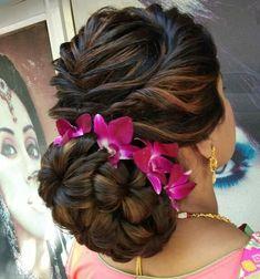 Bun hairstyles for long hair - Indian Fashion Ideas Engagement Hairstyles, Indian Wedding Hairstyles, Wedding Hairstyles For Long Hair, Hairstyle Wedding, Everyday Hairstyles, Indian Bun Hairstyles, Bride Hairstyles, Hairstyle Ideas, Saree Hairstyles