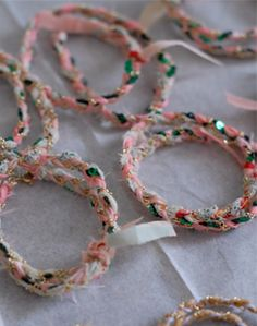 bracelets in fabric by Emma Cassi.  Good idea to make for Madeline's friend's birthday parites