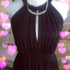 ✨H&M- Black Maxi Dress✨ This beautiful black dress will give you a mysterious look. Great condition. Gently worn once Size S. H&M Dresses Maxi