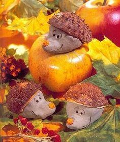 Ježci - modelína + obal kaštanu Art For Kids, Crafts For Kids, Arts And Crafts, Hedgehog Craft, Autumn Art, Art Club, Creative Crafts, Fall Halloween, Squirrel