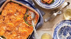 Casserole Recipes That Perfectly Fit a Family of Four Casserole Dinner Ideas for a Family of 4 - Southern Living Potluck Recipes, Casserole Recipes, Fall Recipes, Dinner Recipes, Cooking Recipes, Dinner Ideas, Potluck Ideas, Kraft Recipes, Meal Ideas