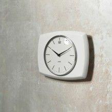 LEFF Amsterdam wall clock fift25 De keramieken klok van Willemijn Faber voor de LEFF Amsterdam collectie.