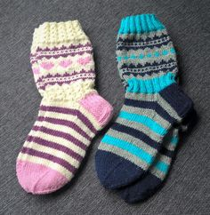 Langan viemää: 2017 Knitting For Kids, Knitting Socks, Knitting Projects, Slipper Boots, Mittens, Slippers, Children, Crafts, Fashion