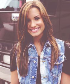 Demi Lovato: I want to go back to this hair color!