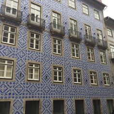 "27 Likes, 4 Comments - Kelly P Bristol (@kellypbristol) on Instagram: ""One of the many buildings in Porto with beautiful tiled walls. #tiledwall #vacation #ig_portugal_…"""