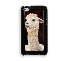 Alpacas Protective Designer Snap-On Case - Fits Apple iPod Touch 4