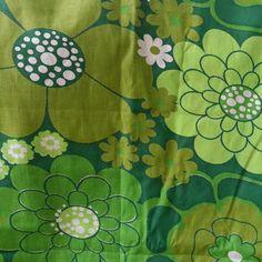 Retro fabric gren floral swedish newer used 70s