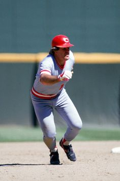 Pete Rose - greatest base stealer ever ! Famous Baseball Players, Mlb Players, Baseball Teams, Baseball Stuff, Sports Teams, Hockey, Sparky Anderson, Mlb Reds, Sports