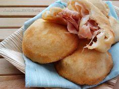 Facebook Twitter Google + WhatsApp Pinterest Ricetta del giorno: Bombe salate ripiene senza glutine,facili da preparare. INGREDIENTI °400 gr di farina senza glutine per pane Nutrifree ° 200 gr di latte tiepido °100 gr d'acqua tiepida °15 gr di lievito di birra ° 1 cucchiaino di sale °un pizzico di zucchero °1 cucchiaio d'olio Per … Gluten Free Pizza, Finger Foods, Buffet, Cheesecake, Prosciutto Cotto, Cooking, Desserts, Mozzarella, Pane