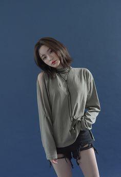 Byun Jungha - Byeon Jeongha - Model - Korean Model - Ulzzang - Stylenanda Korean Street Fashion, Asian Fashion, Love Fashion, Girl Fashion, Ulzzang Fashion, Ulzzang Girl, Byun Jungha, Best Photo Poses, Mode Streetwear