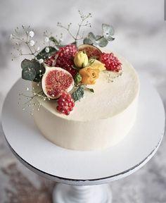Cupcakes, Cupcake Cakes, Bolos Naked Cake, Fresh Fruit Cake, Cake Recipes, Dessert Recipes, Creative Desserts, Dessert Decoration, Just Cakes