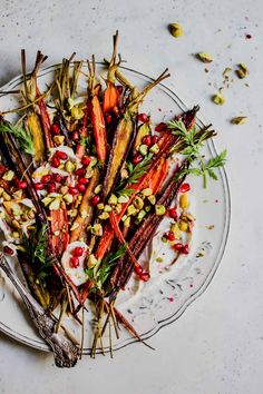 5 Ingredient Pomegranate-Glazed Carrots with Whipped Goat Cheese holiday appetierz appetierz fruit Vegetable Side Dishes, Vegetable Recipes, Vegetarian Recipes, Healthy Recipes, Healthy Thanksgiving Recipes, Thanksgiving Side Dishes, Holiday Recipes, Thanksgiving 2020, Holiday Appetizers