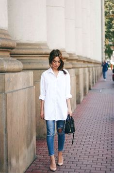 classic outfit ideas - Oversized button down, jeans and pumps, via  rasberry and red