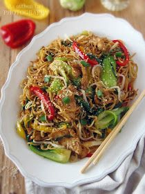 Az otthon ízei: Csirke Chow Mein Chow Mein, Chow Chow, Japchae, Chinese, Snacks, Cooking, Ethnic Recipes, Food, Tapas Food