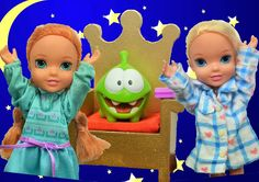 Anna and Elsa Toddlers Scary Sleepover - Monster under the Bed! Afraid t...