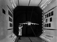 Gorgeous Black-and-White Photos of Vintage NASA Facilities – Brain Pickings