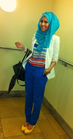 Contrast colours and white blazer - Photo by Dina Toki- O Modest Wear, Modest Outfits, Cute Outfits, Muslim Fashion, Modest Fashion, Dina Tokio, Hijab Fashionista, Beautiful Hijab, Hijab Outfit