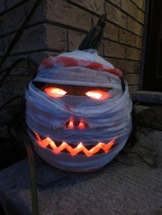 Pumpkin Carving Ideas for Halloween 2015 Halloween Pumpkin Designs Halloween Pumpkin Designs, Halloween Projects, Halloween Pumpkins, Fall Halloween, Halloween Ideas, Happy Halloween, Halloween Rules, Halloween Stuff, Vintage Halloween