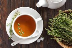 Thyme tea is an immune-boosting powerhouse. Find out about the health benefits of thyme and how you can make this healing tea regularly for better health. Home Remedy For Cough, Home Remedies, Natural Remedies, Health Benefits Of Thyme, Thyme Tea, Colon Irritable, Cleanse Your Body, Tea Blends, Healing Herbs