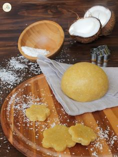 Pasta Frolla al Cocco Mini Desserts, Just Desserts, Bakery Recipes, Dessert Recipes, Caramel, Sweet Sundays, Biscotti Cookies, Cake & Co, Sweet Cookies