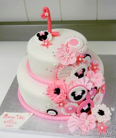 minnie mouse inspired birthday cake ~ so darn cute!