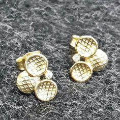 Ein Paar Ohrringe aus 585er Gelbgold mit Brillant Www.goldschmiede-von-gruenberg.de