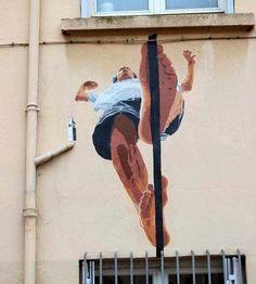 """Arte de rua, """"Man on Wire"""" - canto da rua e Alma Rua Vauzelles (Lyon 1, França)"""