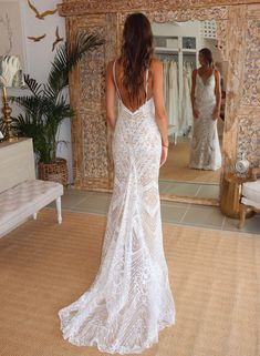 181 fantastic lace beach wedding dresses page 4 Spagetti Strap Wedding Dress, Lace Beach Wedding Dress, Western Wedding Dresses, Wedding Dresses With Straps, Elegant Wedding Dress, Dream Wedding Dresses, Bridal Dresses, Wedding Gowns, Bridesmaid Dresses