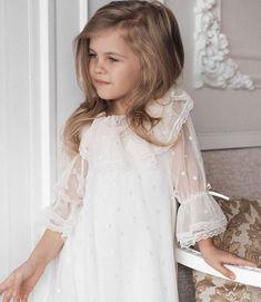 Girls Dresses, Flower Girl Dresses, Christmas Colors, Wedding Dresses, Fashion, Dresses Of Girls, Bride Dresses, Moda, Bridal Gowns