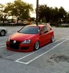 Clean Red MK5 #VolkswagenGTI Car Volkswagen, Vw Cars, Golf Gti R32, Crazy Golf, Modified Cars, Golf Carts, Volvo, Custom Cars, Appointments