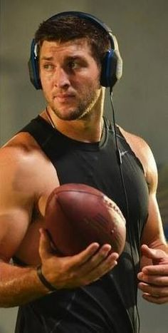 So glad he is back! Tim Tebow, Cute Celebrities, New York Jets, Dream Guy, Perfect Man, To My Future Husband, Football Players, Role Models, The Man