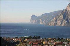 Herbstreise an den Gardasee 2014 Water, Outdoor, Lake Garda, Round Trip, Italy, Places To Travel, Fall, Red, Travel