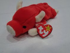 Remember how everyone used to collect beanie babies because they thought they'd be worth thousands of dollars one day? Beanie Babies Worth Money, Sell Beanie Babies, Expensive Beanie Babies, Valuable Beanie Babies, Beanie Babies Value, Ty Babies, Beenie Babies, Babies Stuff, Peace Beanie Baby