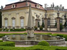 Zamek_Buchlovice_-_kašna.Buchlovice Castle, Czech Republic Czech Republic, Exotic, Around The Worlds, European Countries, Mansions, Palaces, House Styles, Bridges, Castles