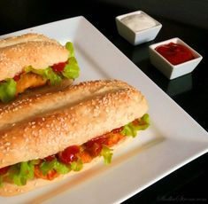 Kfc, Hot Dog Buns, Bon Appetit, Food Videos, Sandwiches, Food Porn, Food And Drink, Pizza, Chicken