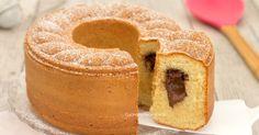 La ciambella mascarpone e Nutella è un dolce soffice e delizioso con un cuore morbido e cremoso alla Nutella, senza burro, olio e latte, è favolosa!