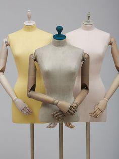 Capsule - female bustforms dress form, fashion displays, arms, form of. Fashion Displays, Window Display Design, Boutique Decor, Clothes Rail, Dress Form, Spring, Decoration, Fashion Dresses, Studios