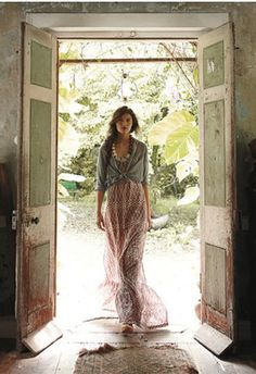 Über Chic for Cheap: Inspired: Anthropologie Catalog Cover Look Boho, Bohemian Style, Boho Chic, Bohemian Gypsy, Gypsy Style, Hippie Style, Bohemian Clothing, Bohemian Decor, Rustic Style