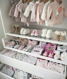 Baby girl closet ideas baby closet organization tips and nursery Baby Bedroom, Baby Room Decor, Nursery Room, Girl Nursery, Room Baby, Garden Nursery, Baby Rooms, Princess Nursery Theme, Baby Room Curtains