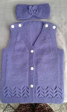 Most Beautiful Baby Vest Cardigan Booties Beanie Scarf Knit Models - Kqbqkcekideyi Baby Knitting Patterns, Knitting Designs, Hand Knitting, Knitted Baby Blankets, Knitted Bags, Baby Cardigan, Baby Girl Sweaters, Big Knits, Vest Pattern
