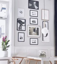 Classic monochrome art fits beautifully in 's home 🖤 Thank you for sharing this! Elegant Home Decor, Elegant Homes, All You Need Is, Budget Home Decorating, Home Improvement Loans, Cozy Nook, Home Look, Online Home Decor Stores, Elle Decor