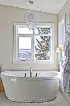 Crystal Chandelier Over Tub – Contemporary – bathroom – Veranda Interiors - Modern Best Bathroom Lighting, Bathroom Chandelier, Bathtub Lighting, House Lighting, Bathtub Remodel, Master Bath Remodel, Bathroom Interior, Modern Bathroom, Design Bathroom