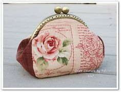 Vintage Rose Frame Purse (tutorial and pattern)