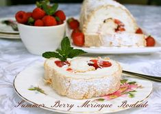 Summer Berry Meringue Roulade seems fancy, but it's one of the easiest desserts you can make for a summertime treat. Summer Treats, Summer Desserts, Easy Desserts, Dessert Recipes, Meringue Roulade, Roulade Recipe, British Baking, Summer Berries, Amigurumi