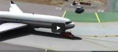 ما سترونه لا يصدق... نيسان فرونتير يساعد طائرة ركاب على الهبوط!